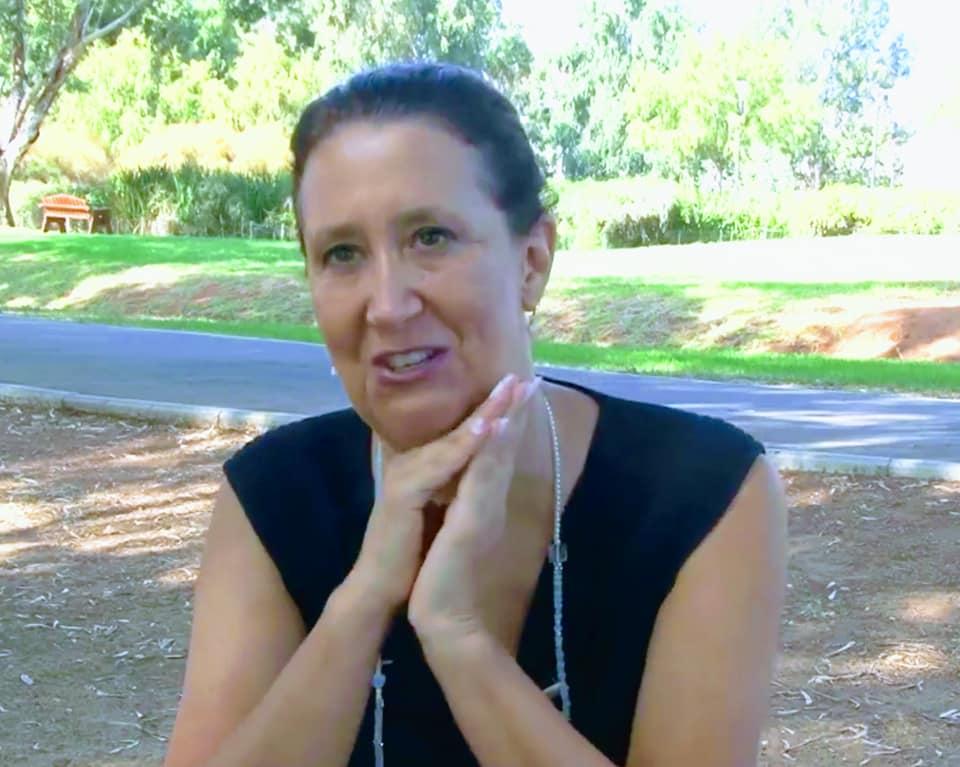 שרונה דוכנה, מייסדת מיזם האימוץ
